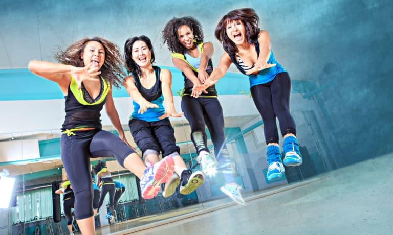dance fitness zumba apprendre danser avec des cours gratuits en ligne. Black Bedroom Furniture Sets. Home Design Ideas
