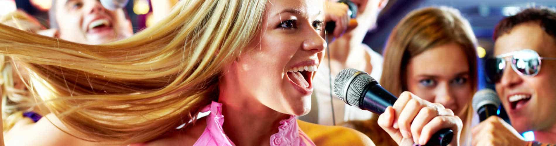 Chanteurs de karaoké