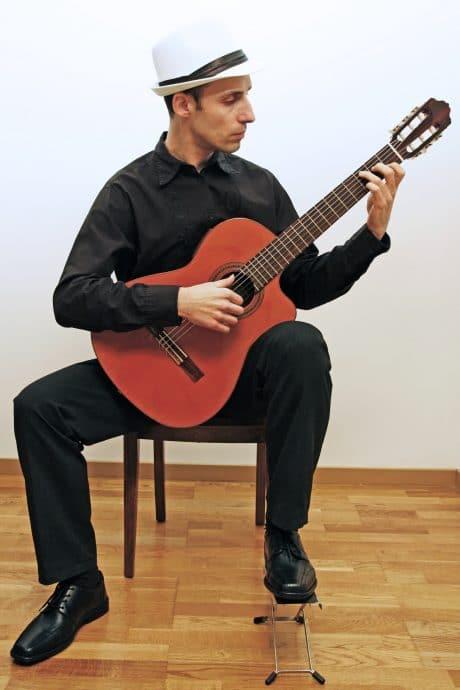Guitare posture classique
